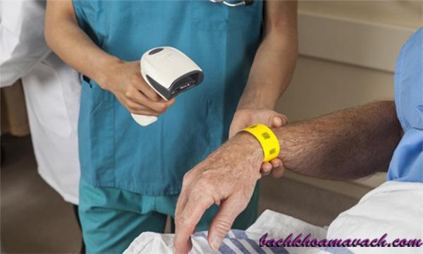 Quét mã vạch cho bệnh nhân - check mã vạch